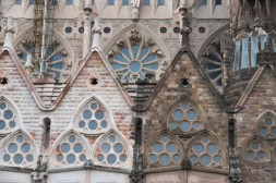 You can easily spot the difference between old parts, and newly build parts. The church has been in construction since 1882. Like whaaaaat?