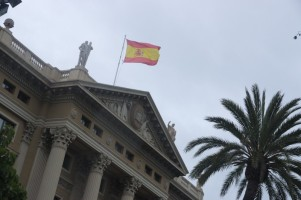You can spot a spanish flag only on state buldings. There is a strong sense of independence to these days.