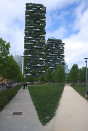 Bosco Verticale Shapes