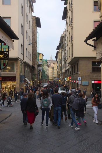 Busy street leading to Ponte Veccio