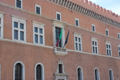 Mussolini speach balcony2