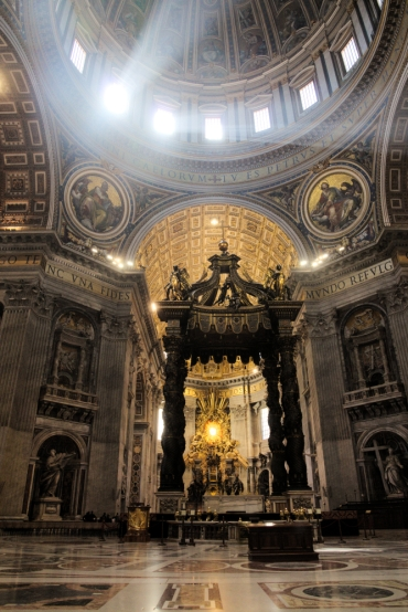 St Peter Basilica inside 4