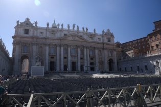 St Peter Basilica outside