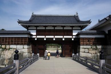 Hiroshima Castle gates