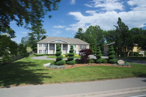 21. Niagara River Multimillion Dollar houses 2