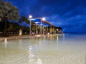 Cairns seaside pools 4